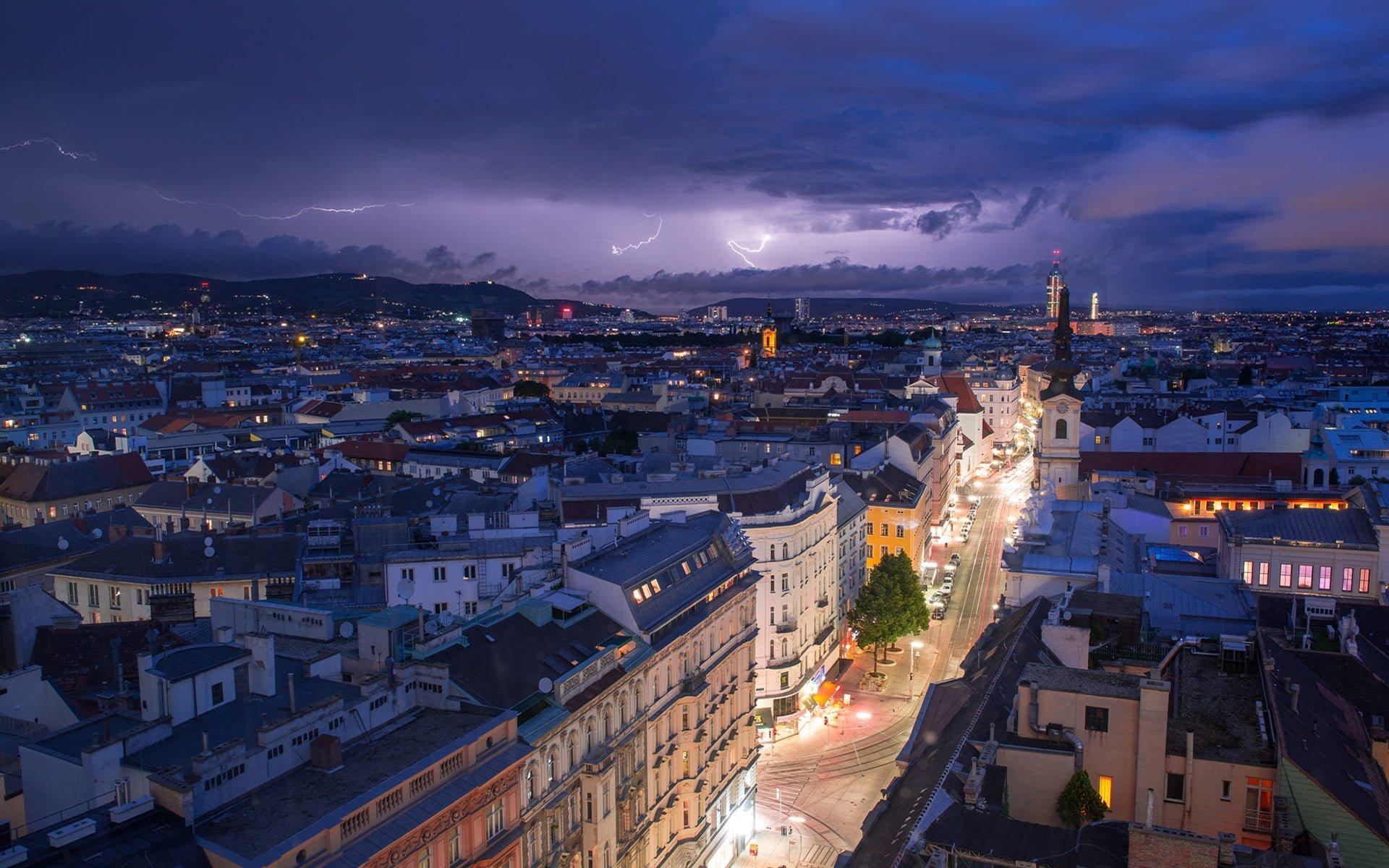 Avusturya - Viyana'dan muhteşem gece manzarası