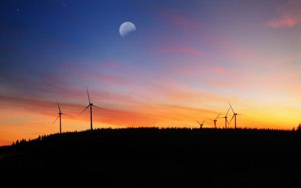 Ay ve rüzgar panelleri