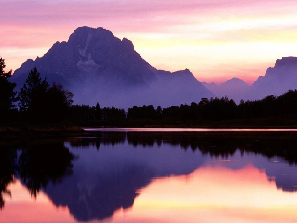 Büyük Dağ ve gün batımı yansıması..