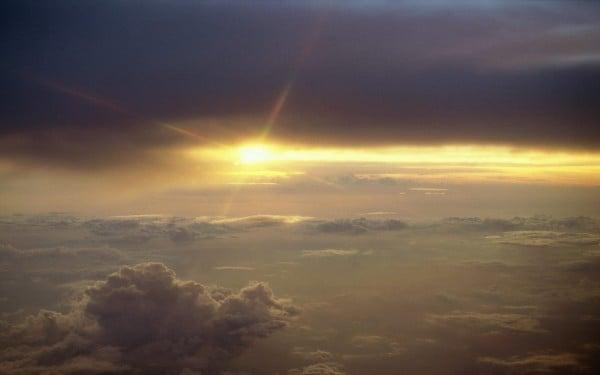 Bulutlu Gün Batımı Resmi