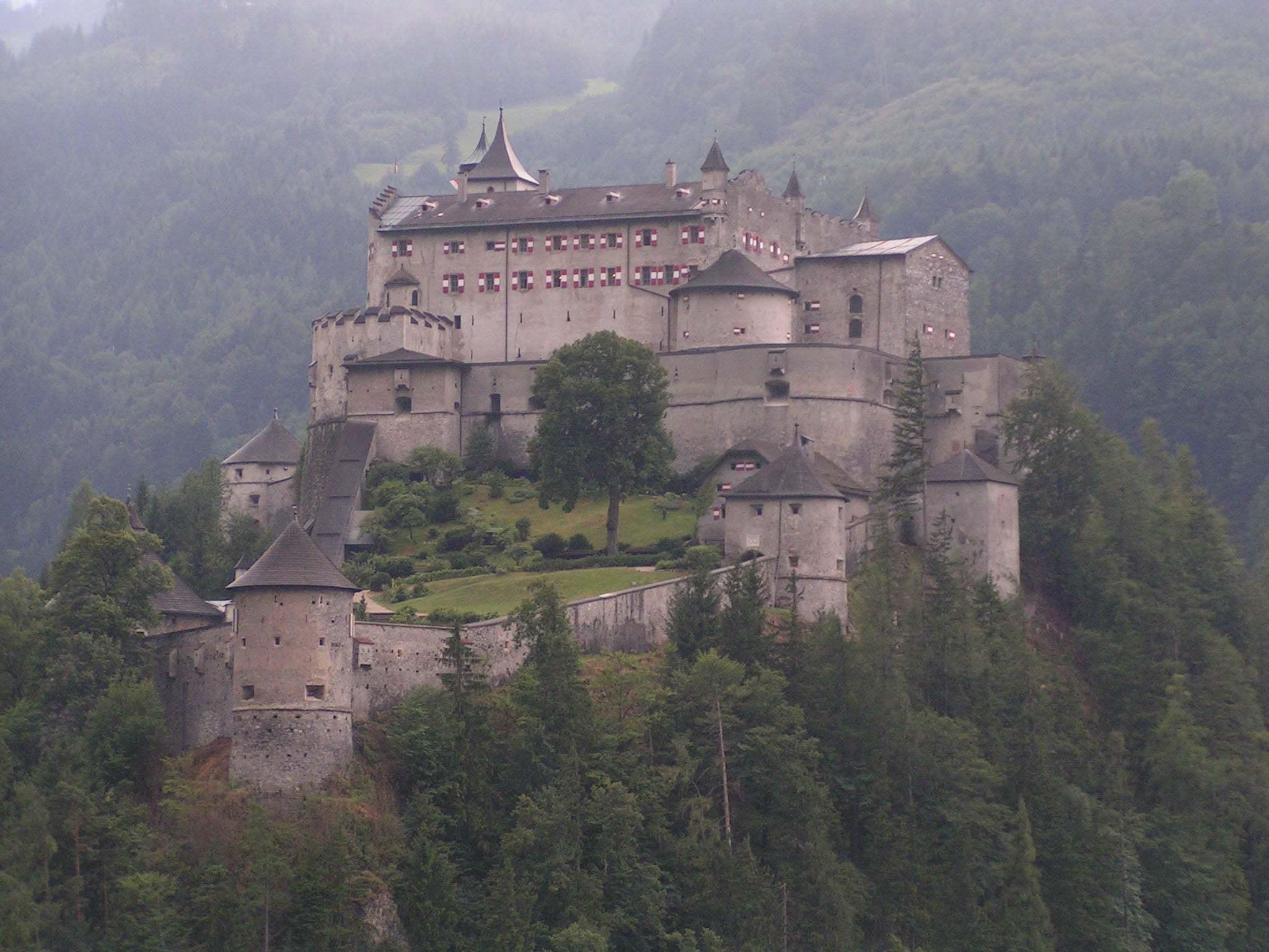 Burg Hohenwerfen Kalesi Fotoğrafı