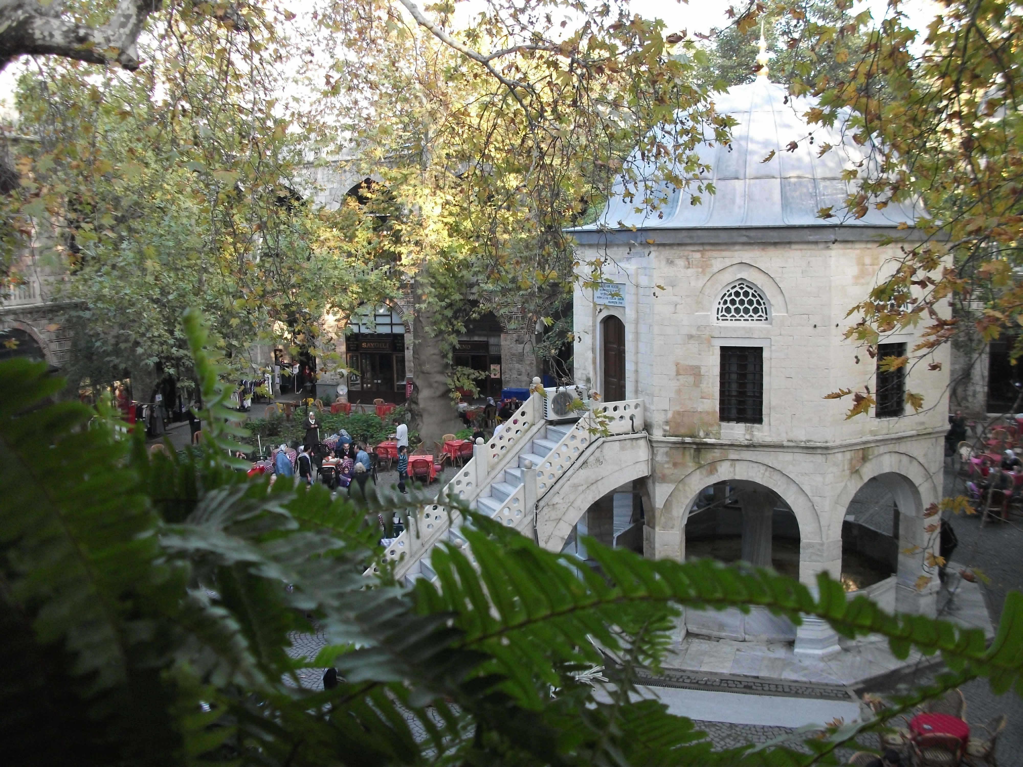Bursa'da bir Han manzarası