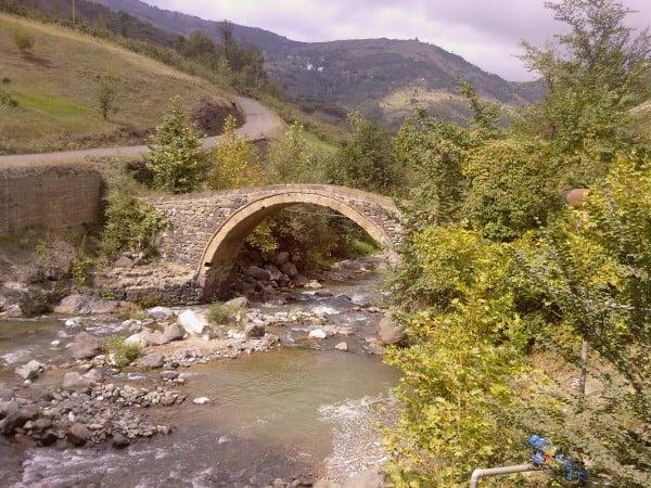 Taş köprü Manzarası