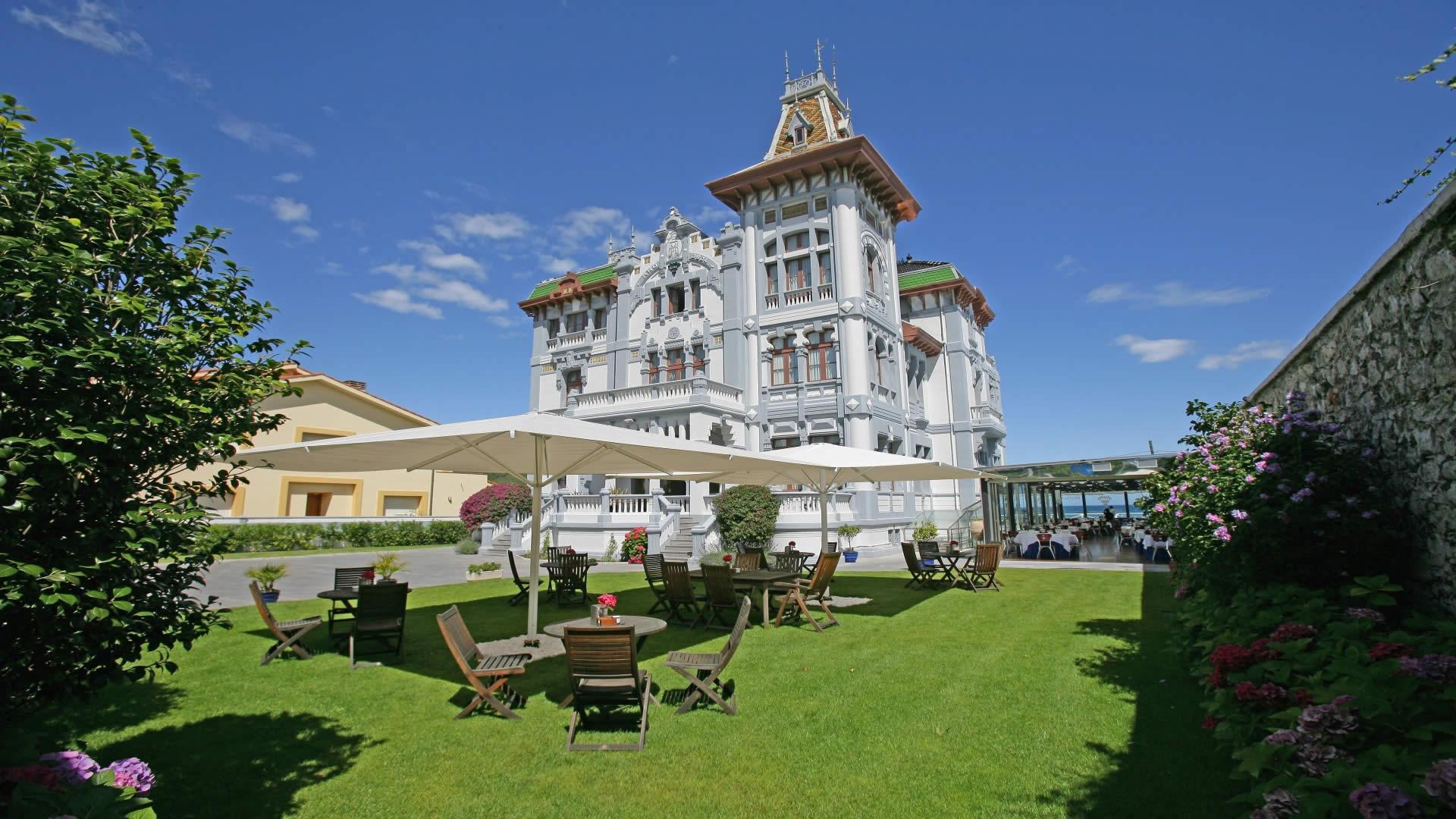 Hotel Resmi