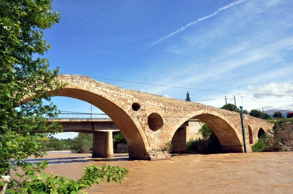 Kravga Köprüsü