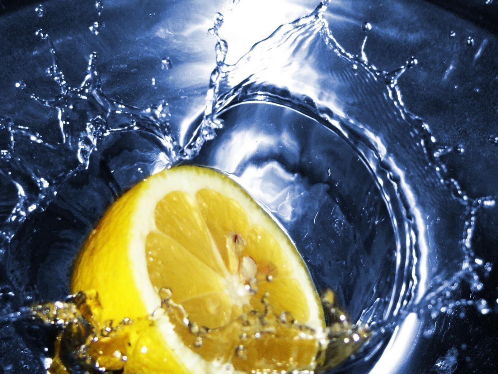 Limon ve Su Resmi
