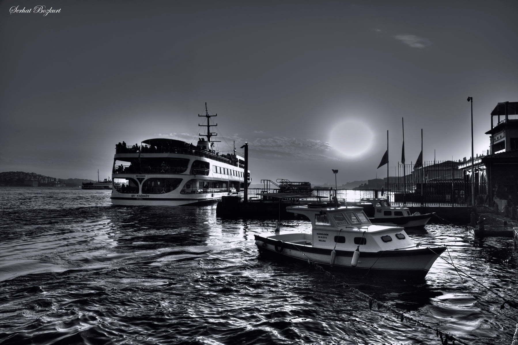 Ortaköy siyah beyaz gün batımı