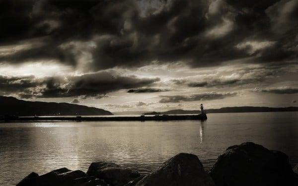 Siyah beyaz güzel gün batımı
