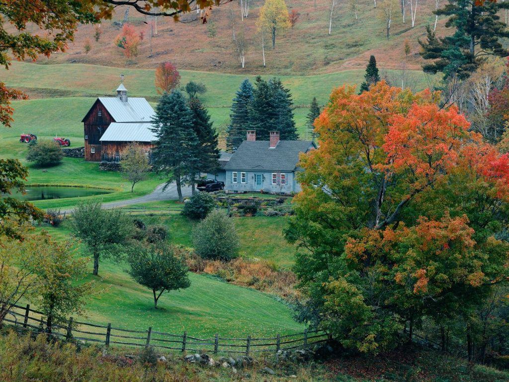 Sonbahardan Harika Köy Manzarası