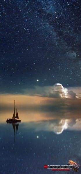 Yıldızların Denize Yansıması ve Tekne