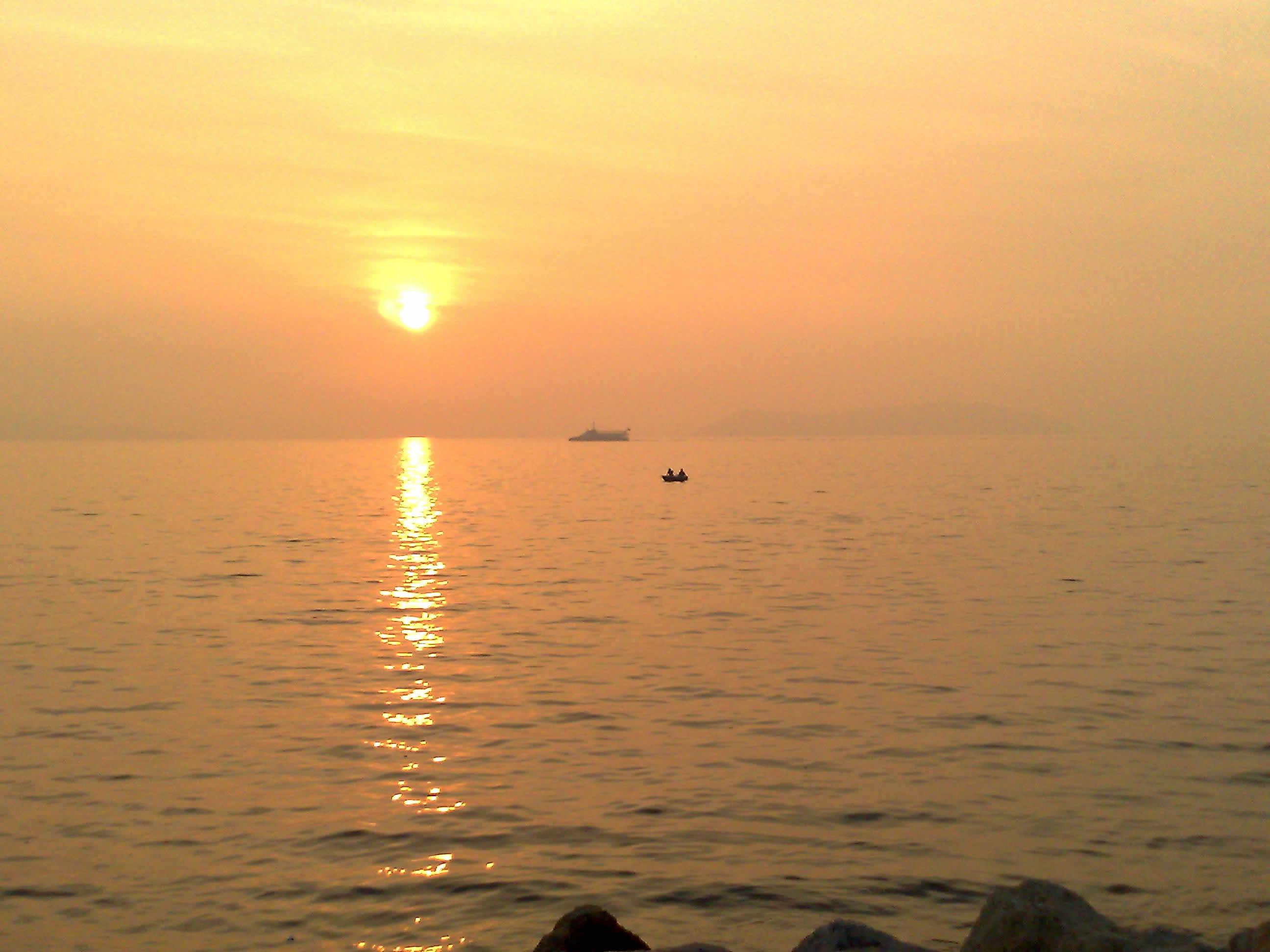 adalarda güneşin batışı