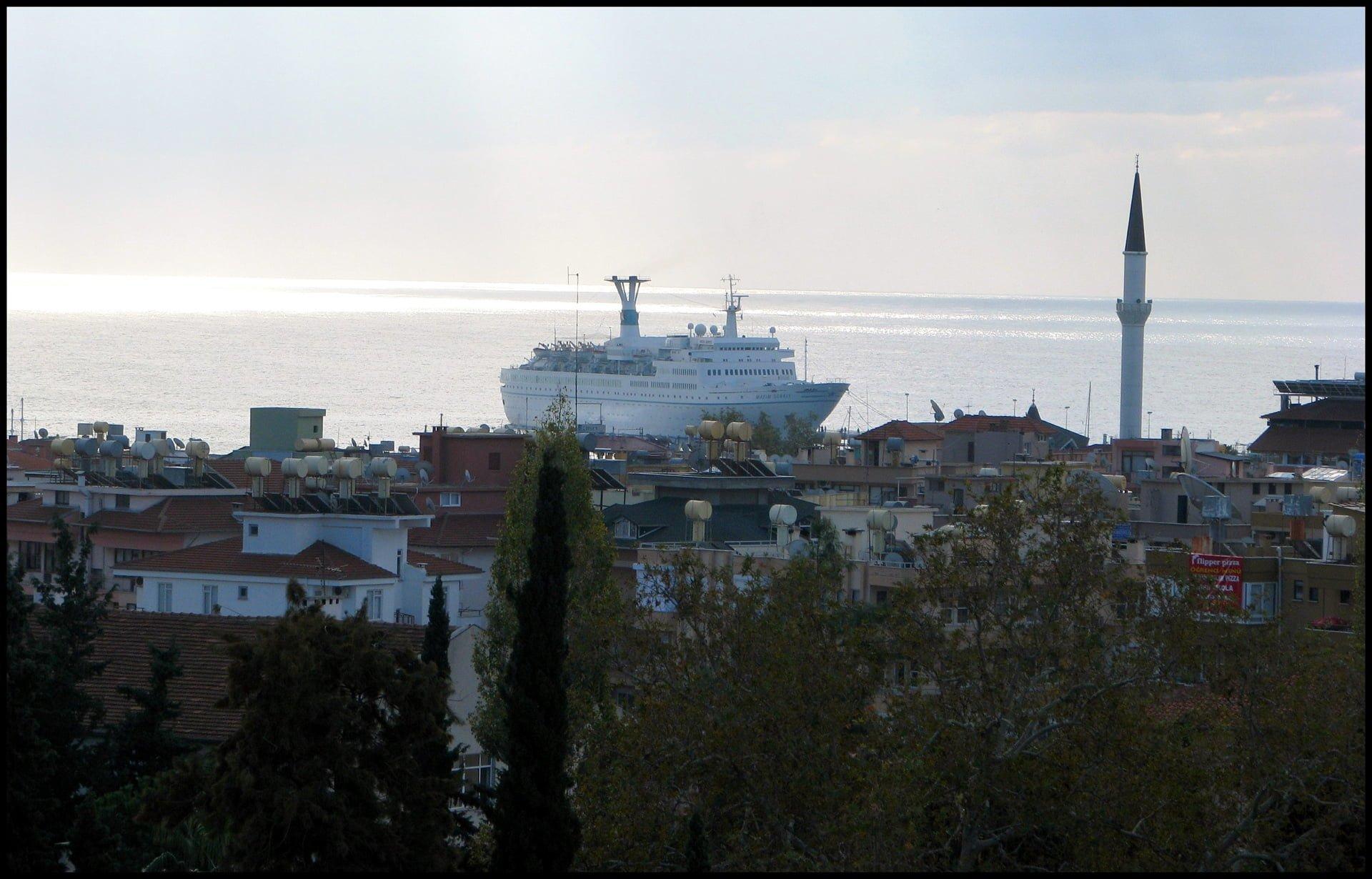 alanya yolcu gemisi