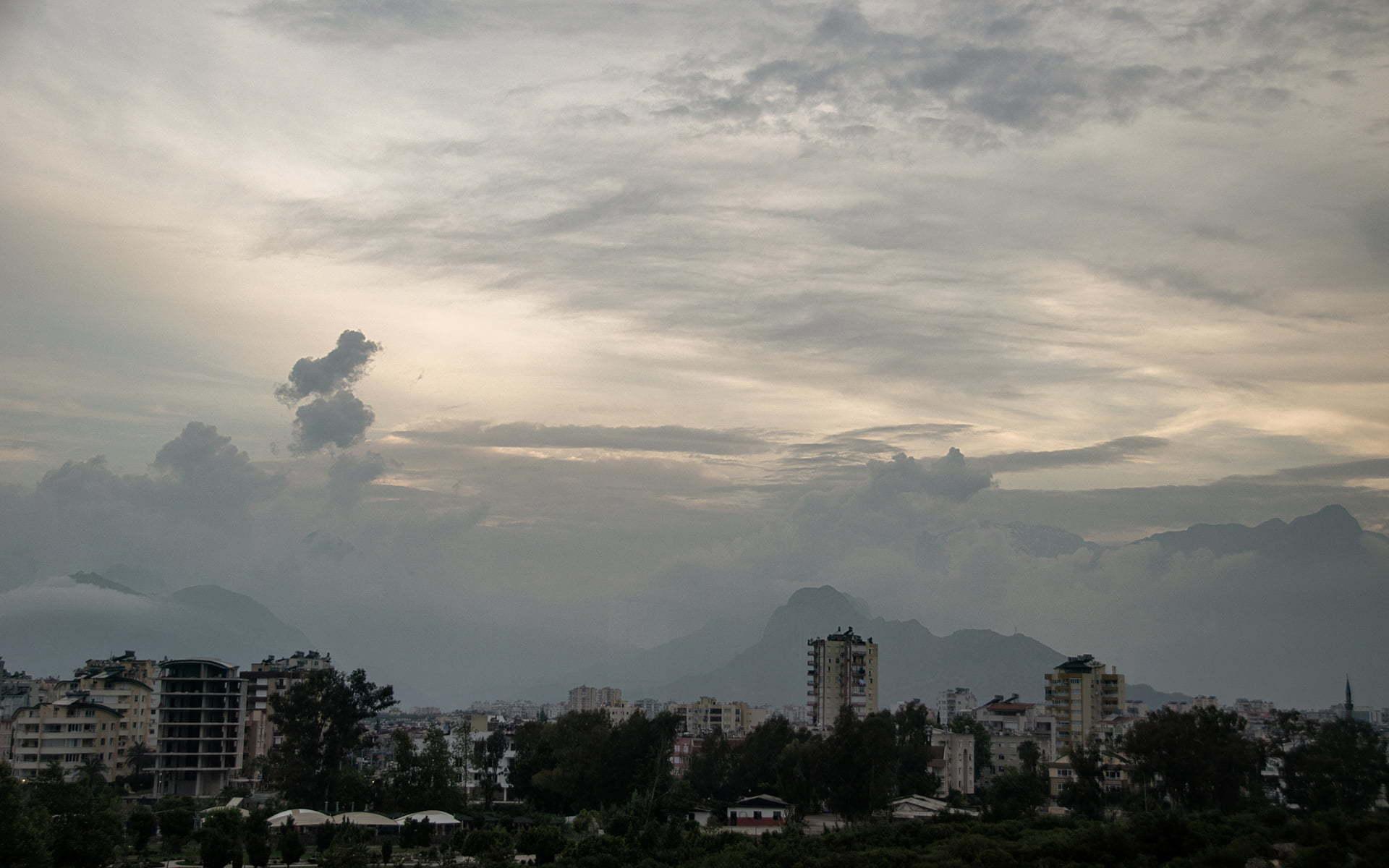 antalya bulut ve binalar
