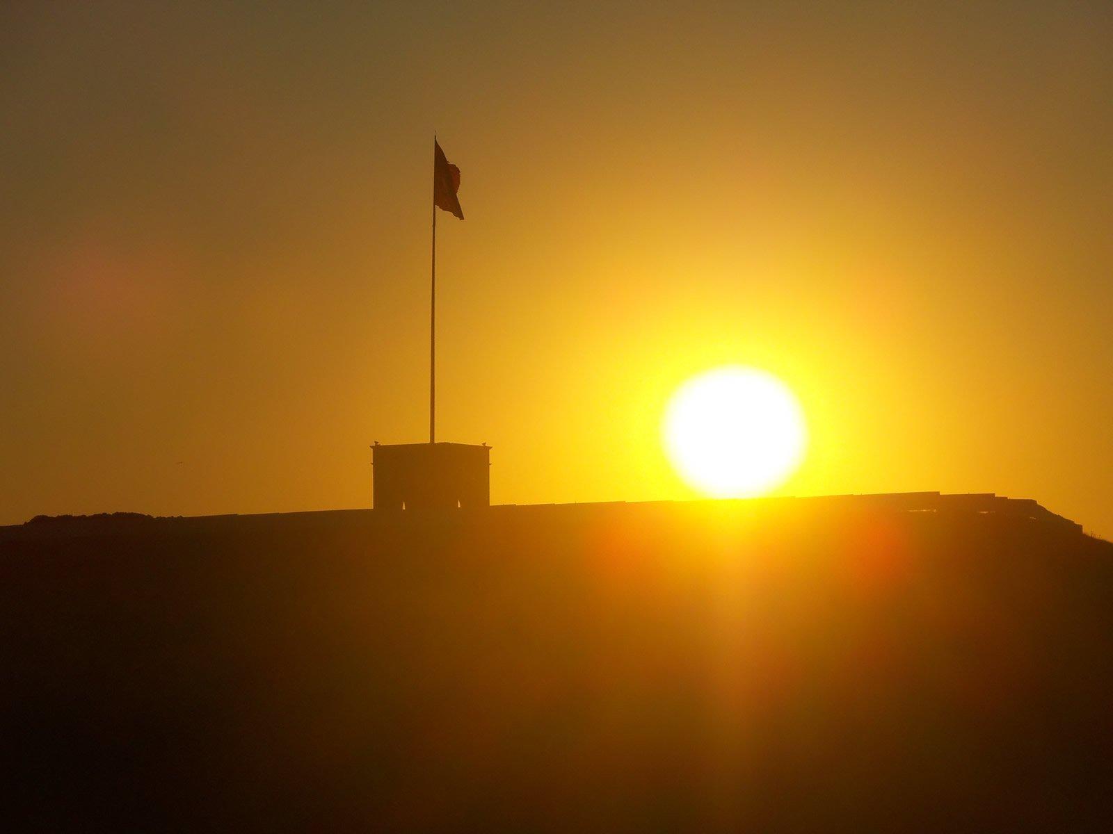 bayrak ve güneş