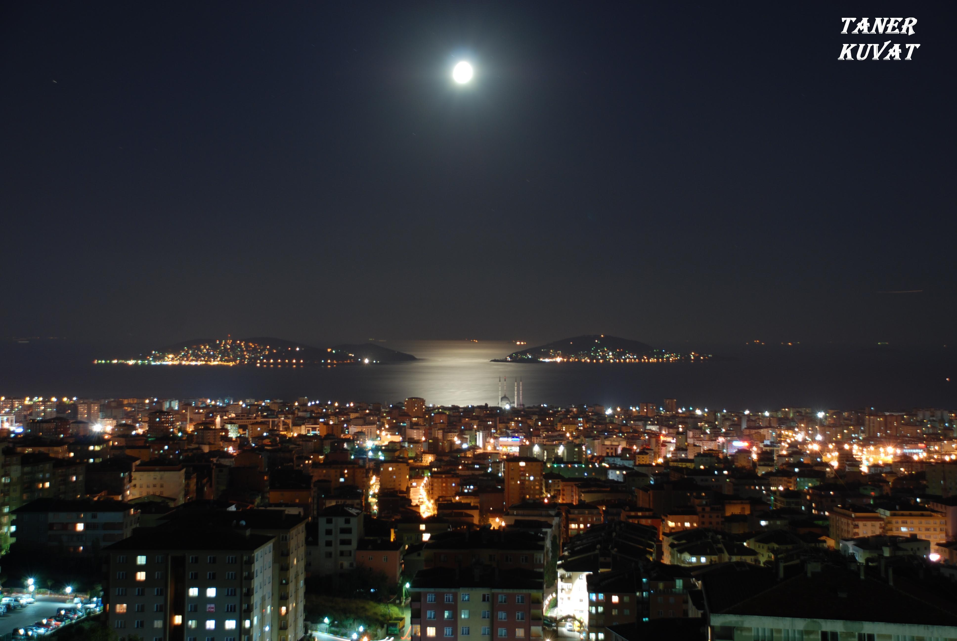 burgaz ve heybelide ay ışığı