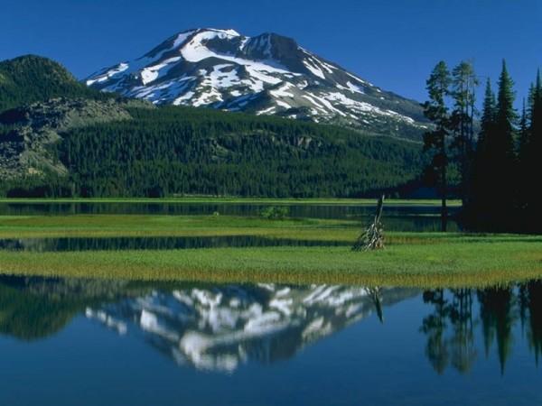 erimiş karlar ve dağ