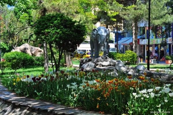 eskişehir fil heykeli
