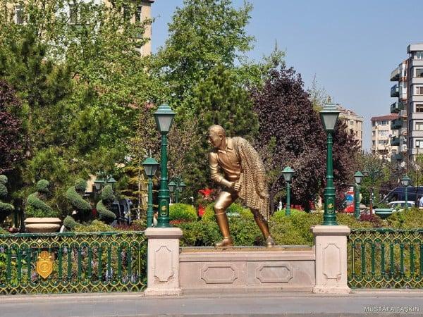 eskişehir sarı heykel