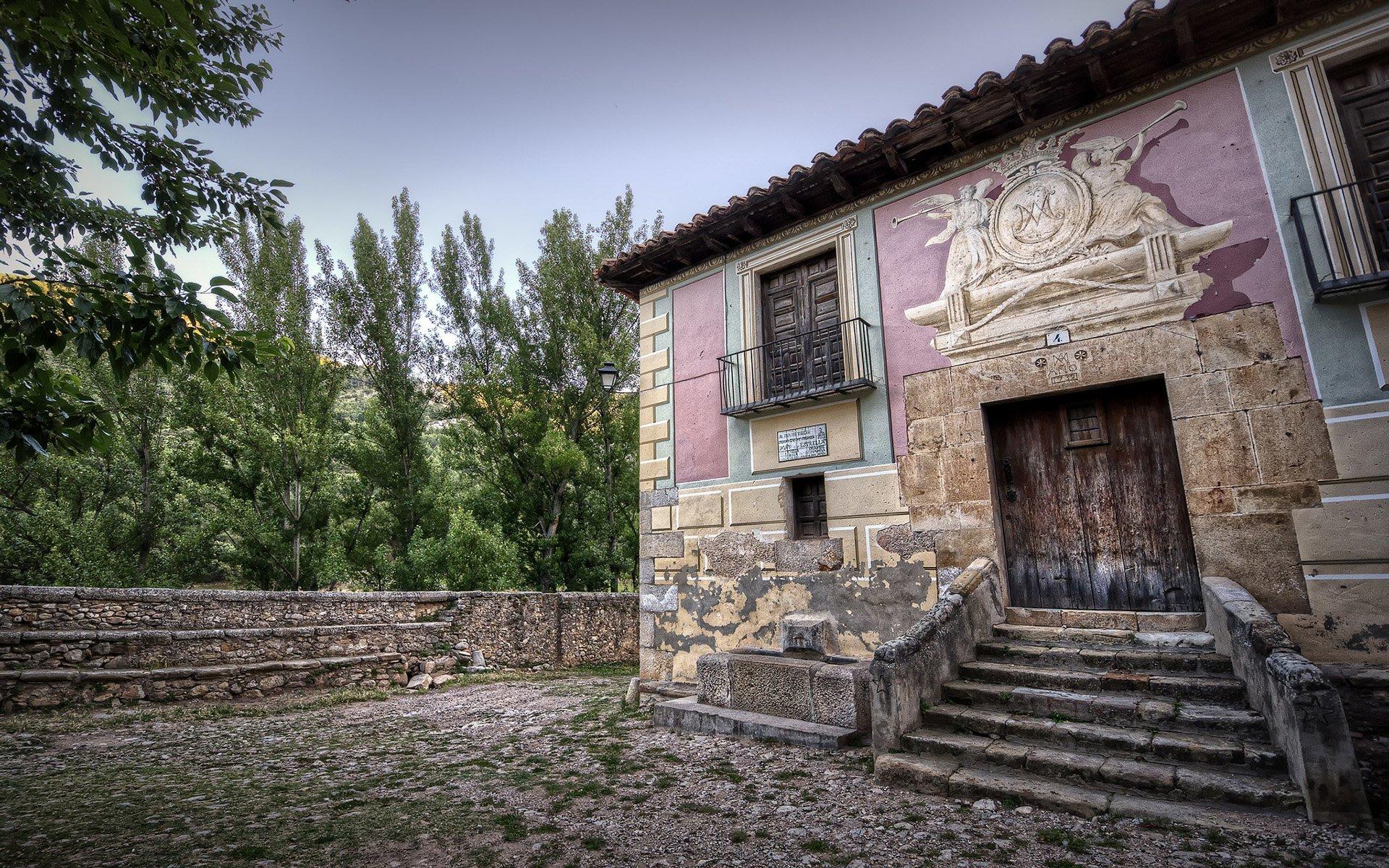 eski belediye binası- teruel