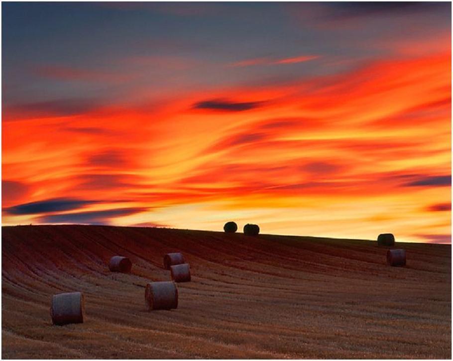 Harman yerinde gün batımı