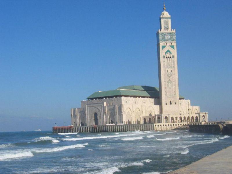 2. Hasan Camii – Fas
