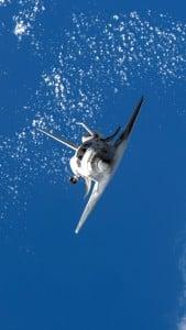 iPhone 5 Wallpaper Space Shuttle 8