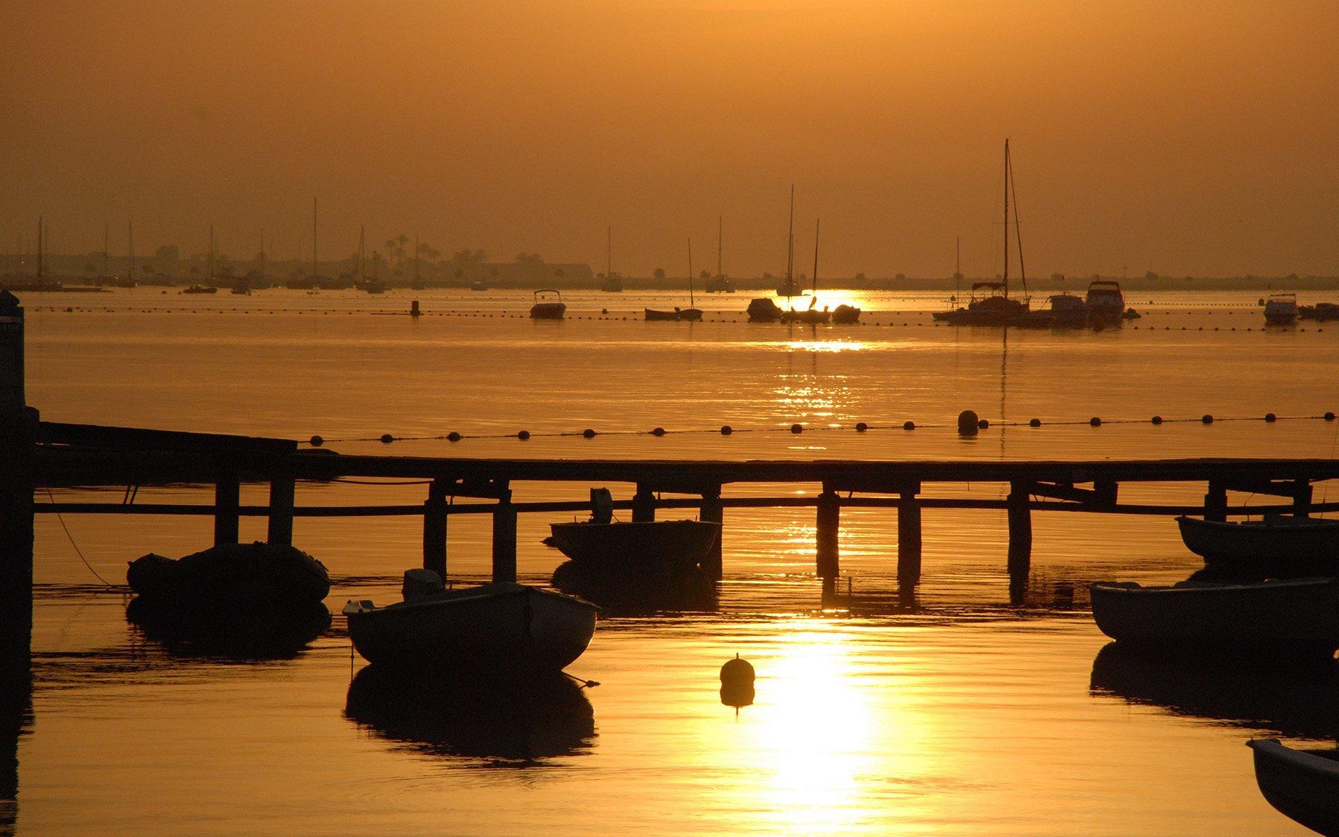 ispanya gün batımı ve tekneler