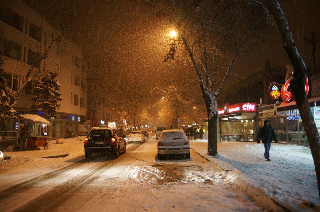 kış gece manzarası