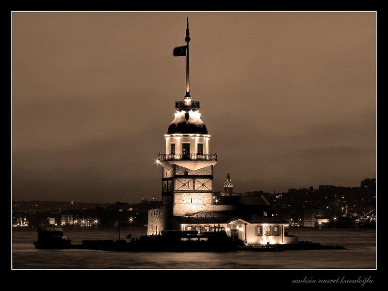 kız kulesi siyah beyaz
