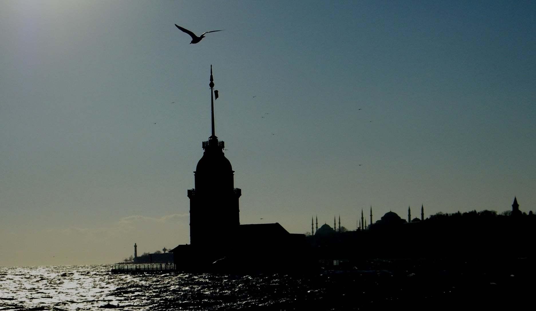 Siyah Beyaz Kız Kulesi