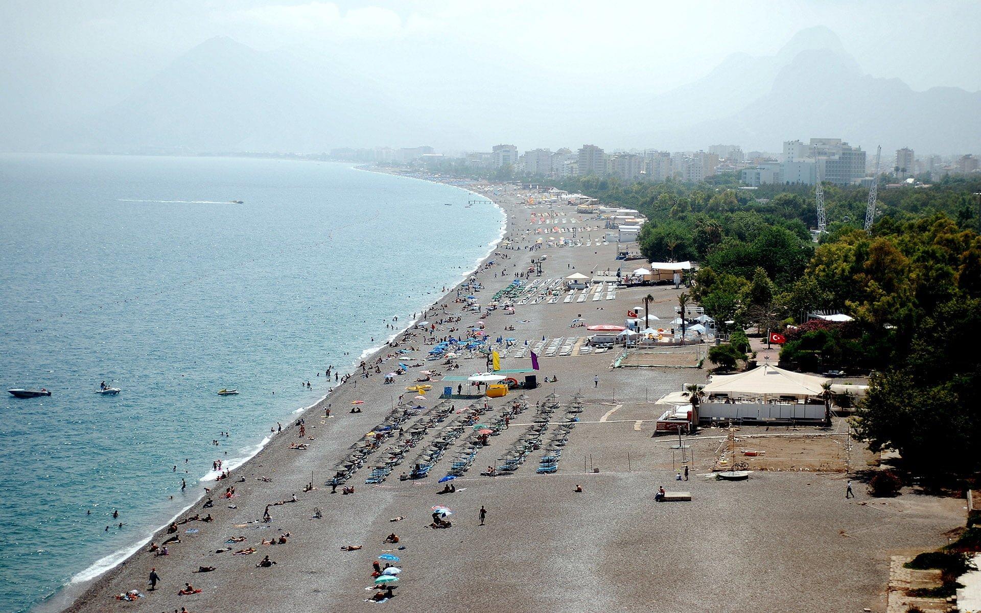 antalya konyaaltı plajı