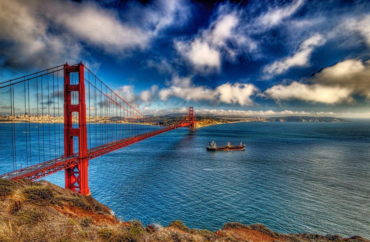 Bulutlar ve Köprü