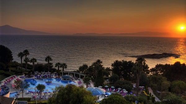 hotel ve gün batımı