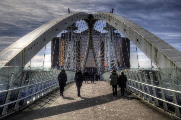 yaya köprüsü