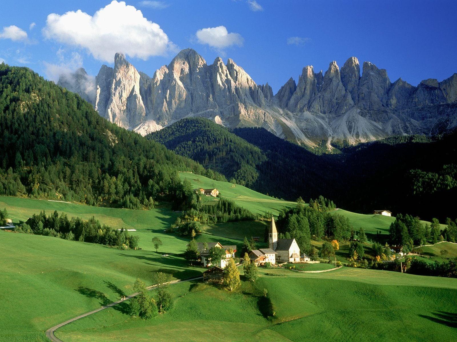 İtalya Dağ Etekleri