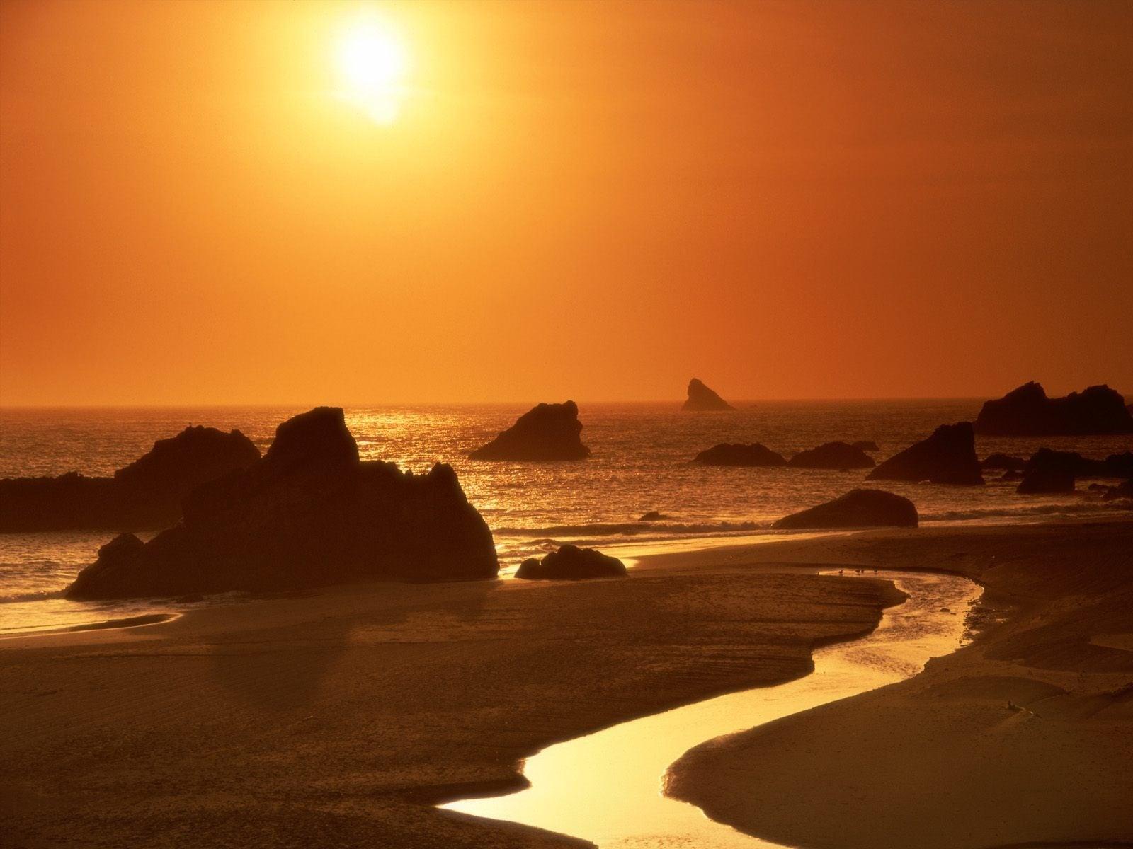 Denizde Turuncu Gün Batımı