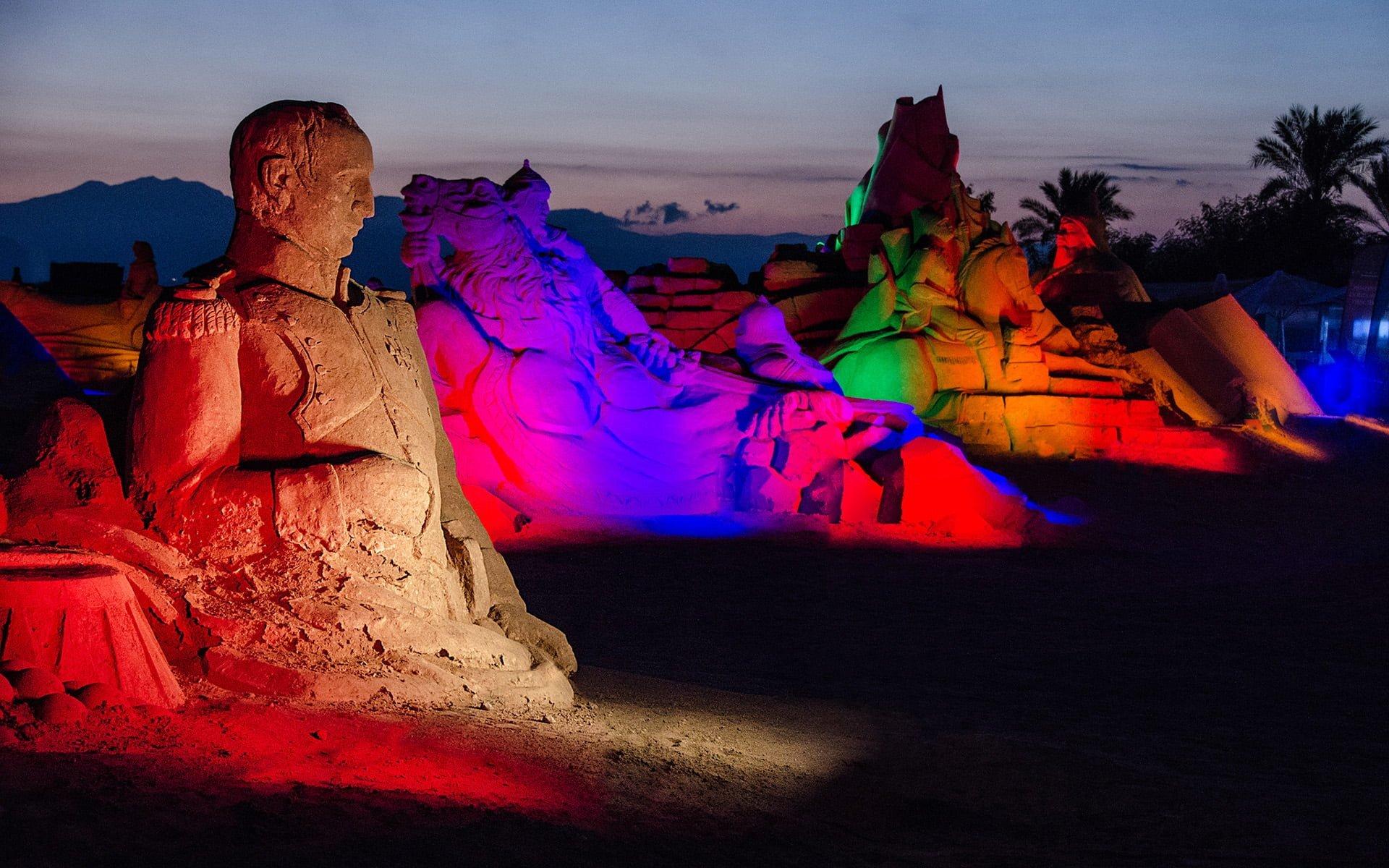 napolyon kum heykeli