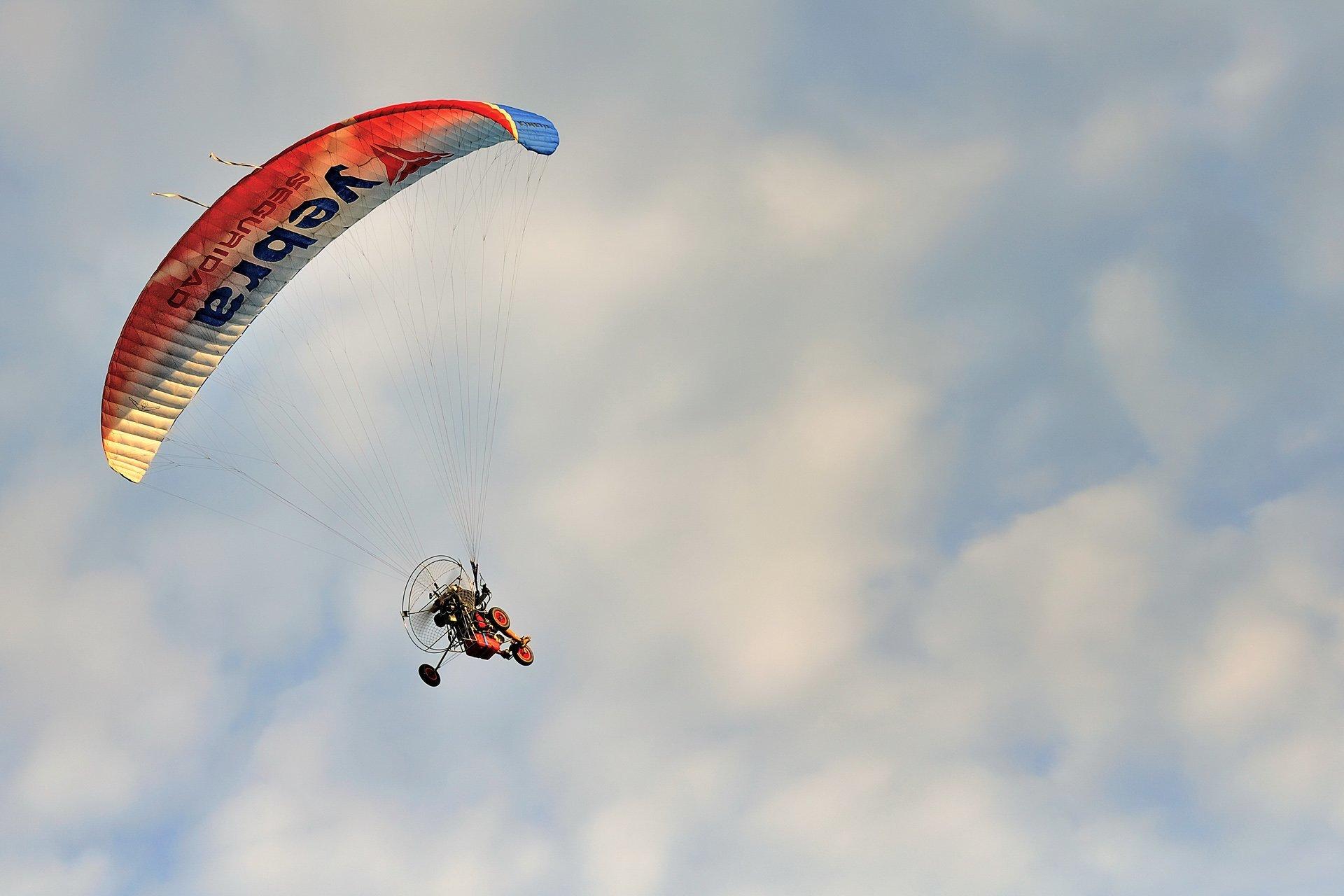 paraşütlü motor
