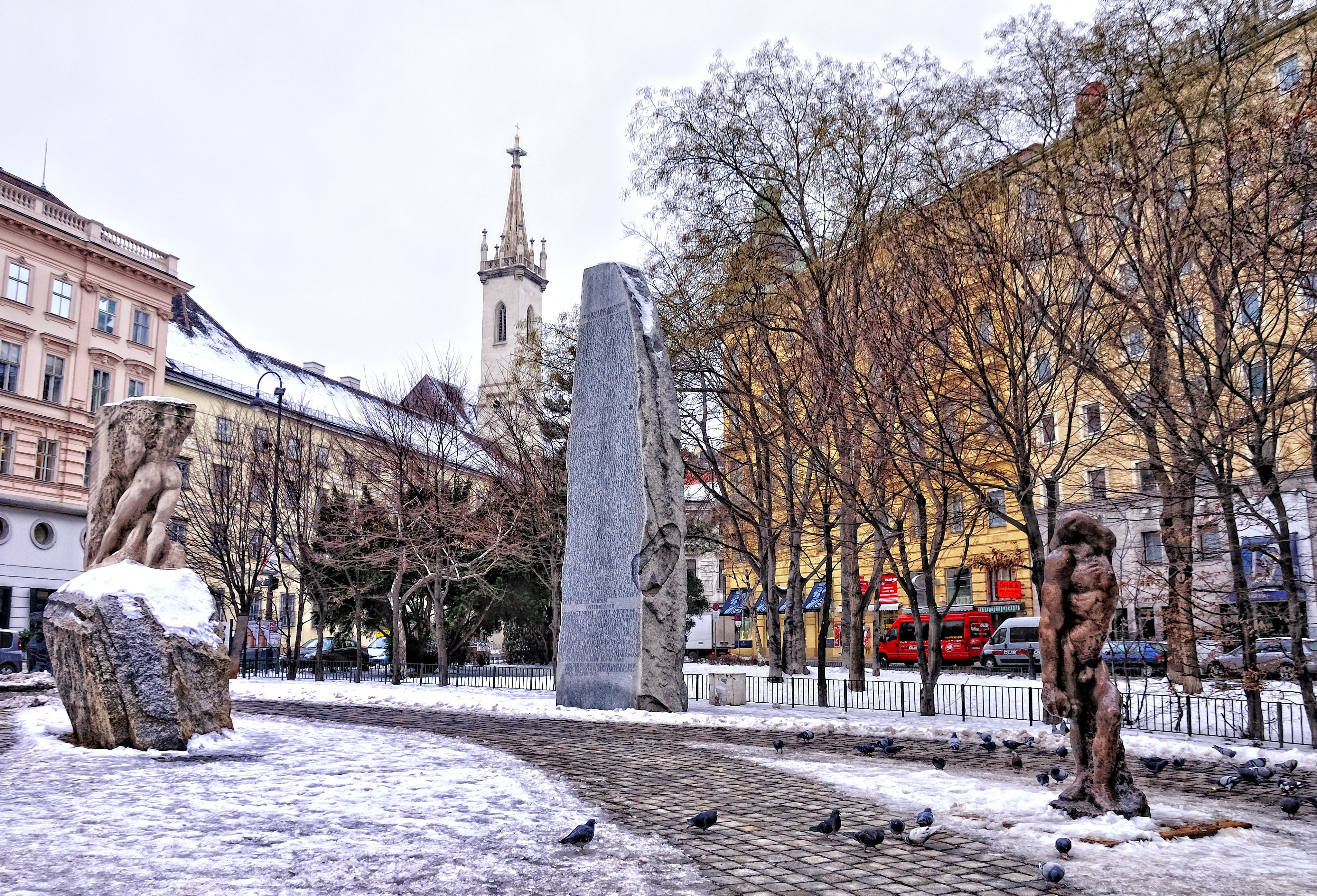 savaşa ve faşizme karşı anıtı