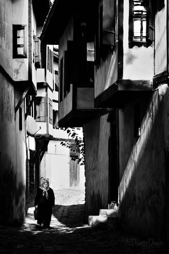 siyah beyaz evler