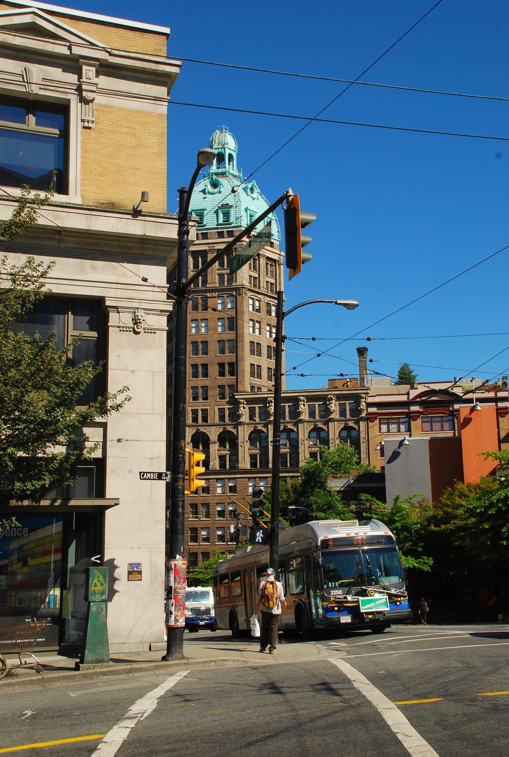 sokaklar ve otobüs