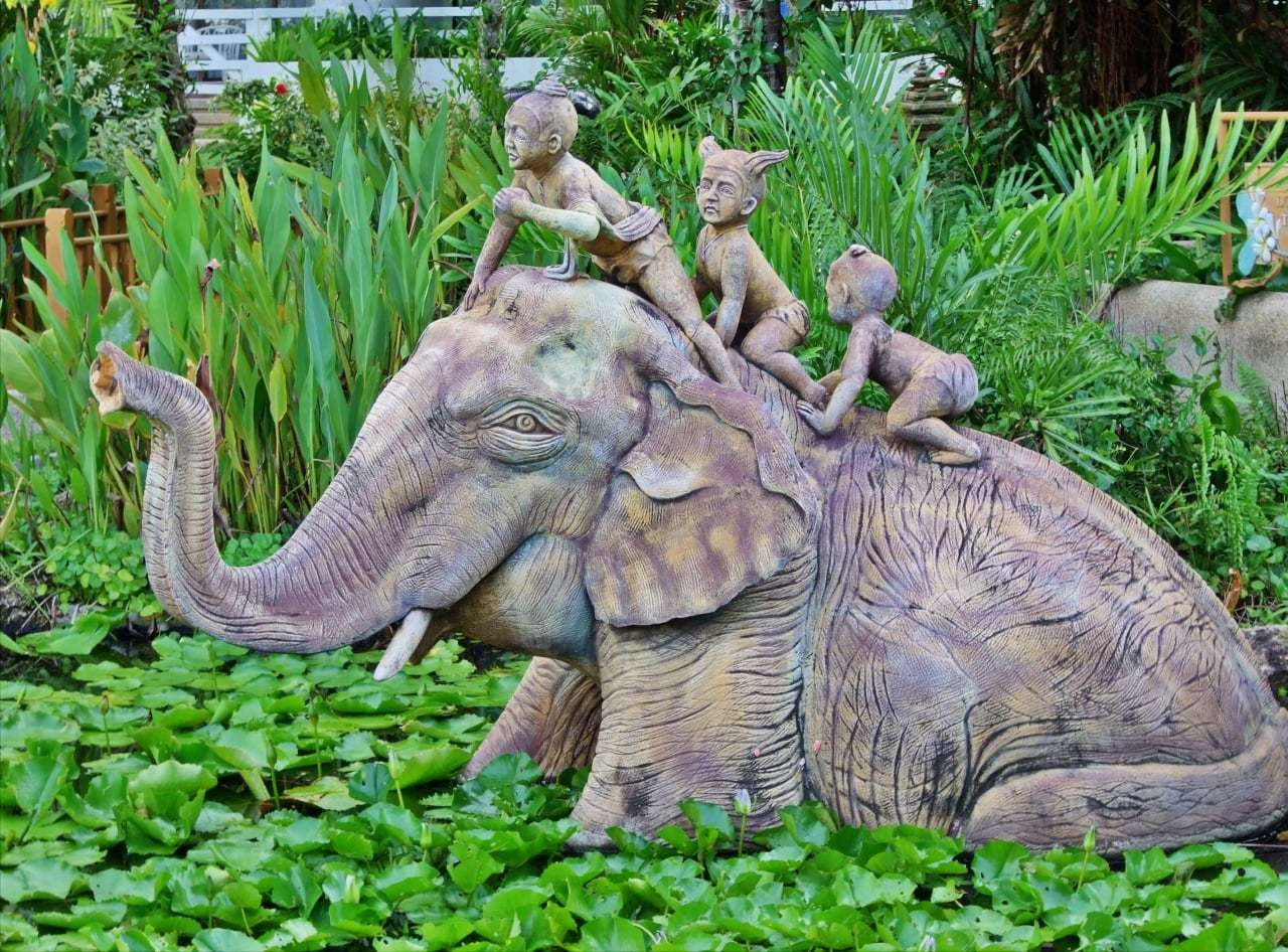 tayland fil heykeli