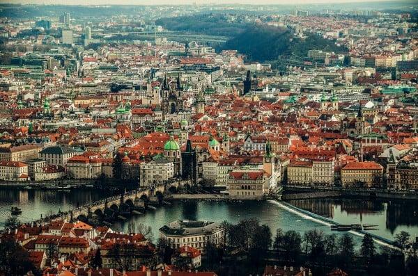 vltava nehri ve şehir